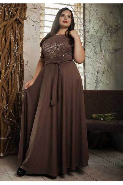 Ошатне плаття максі довжини кольору капучіно