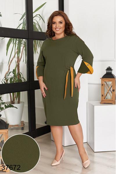 Сучасне стильне плаття кольору хакі для жінок з апетитними формами