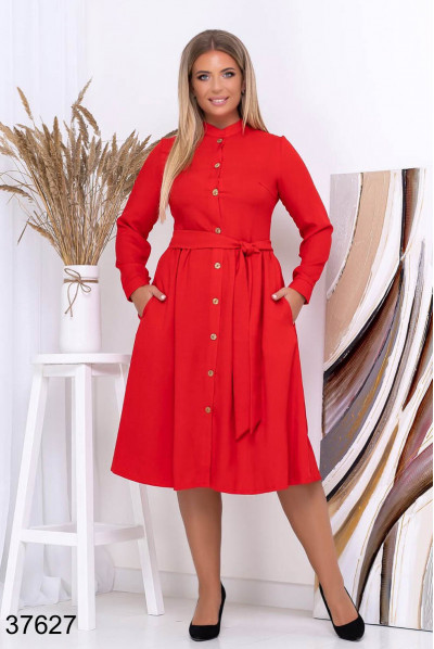 Червоне практичне плаття міді з поясом