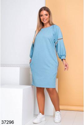 Блакитне модне плаття в спортивному стилі