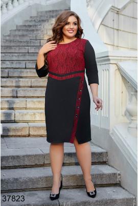 Червоно-чорне практичне плаття великих розмірів