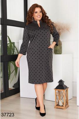 Темно-сіре привабливе плаття з принтом для повних жінок