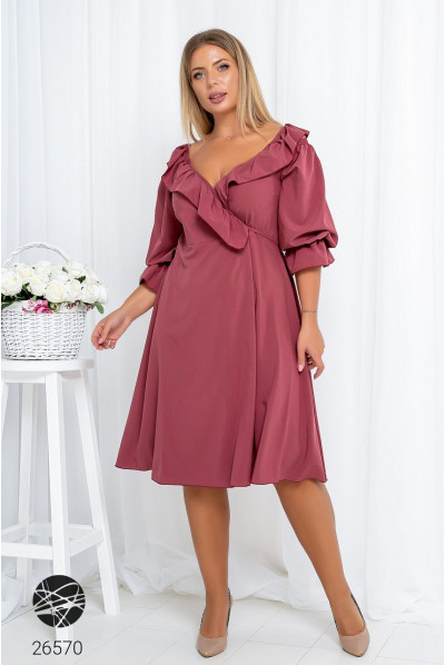 Рожеве весняне жіночне плаття великих розмірів