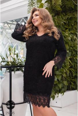 Чорне пушисте плаття з мереживом для повних жінок