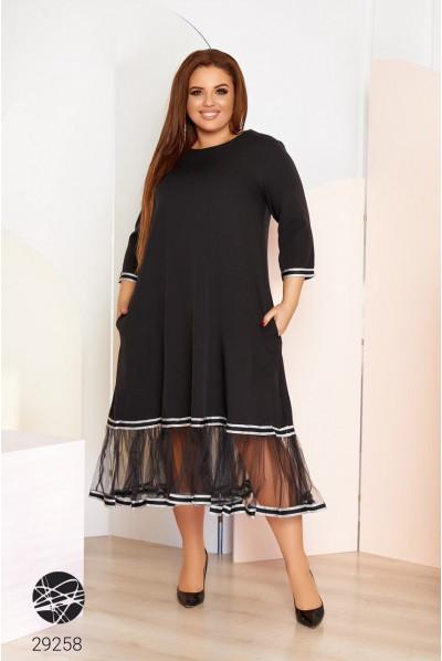 Чорне лаконічне плаття міді для жінок з апетитними формами