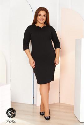 Чорне мінімалістичне плаття міді для повних жінок