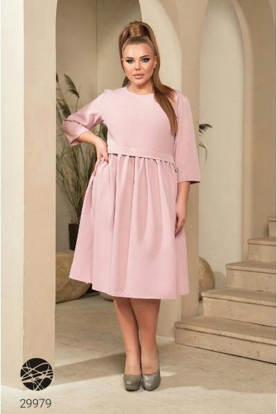Рожеве ніжне миле плаття для повних жінок