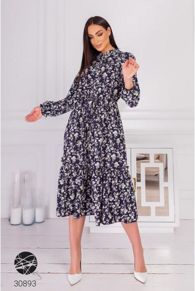 Синє гармонійне плаття міді для повних жінок