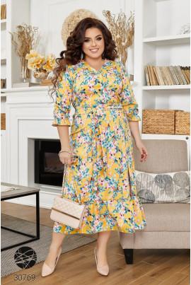 Жовта промениста весняна сукня для жінок з апетитними формами