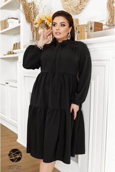 Чорна чудова вишукана сукня з ярусним дизайном