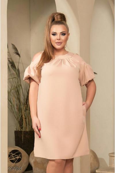 Бежева елегантна приваблива сукня вільного крою