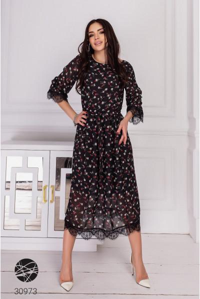 Чорна невагома жіноча сукня з червоним флористичним принтом