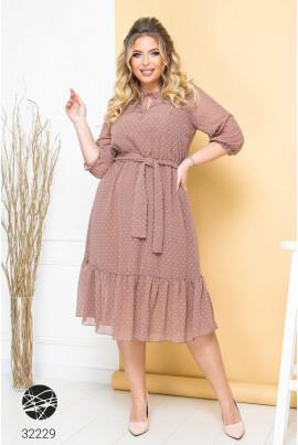 Бежева елегантна сукня для повних жінок