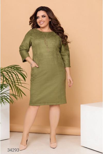 Трендова жіноча замшева сукня-футляр кольору хакі