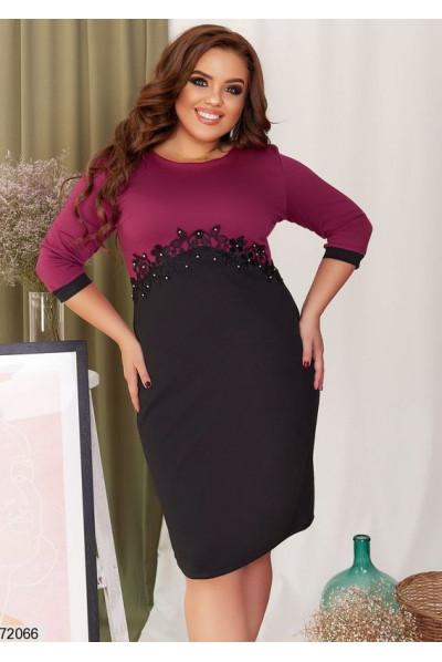 Бордово-чорне плаття для жінок з апетитними формами