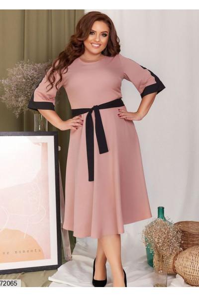 Пудрове жіночне плаття міді для жінок з апетитними формами