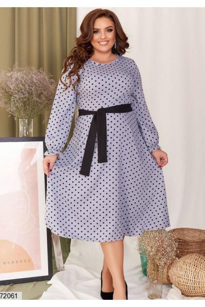 Сіре привабливе плаття в горох для жінок з апетитними формами