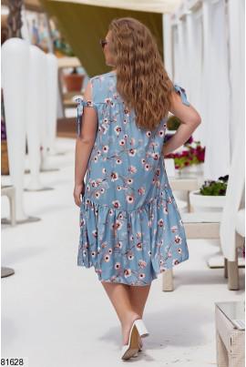 Блакитне легке плаття міді з принтом для повних жінок