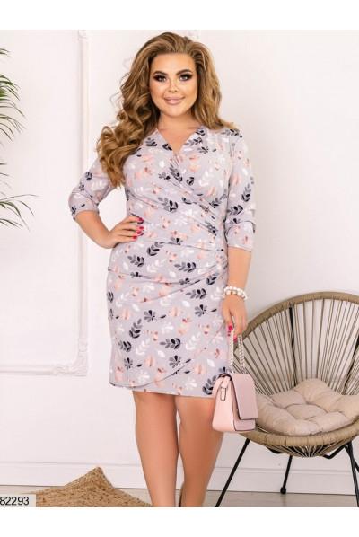 Сіра ніжна приваблива коротка сукня з принтом