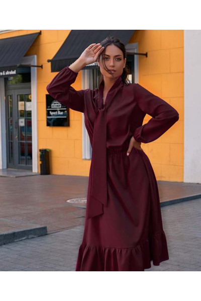 Ефектне плаття кольору марсала
