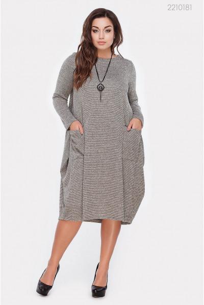 Сіре плаття мішок великого розміру