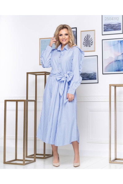 Блакитне плаття з поясом розміру plus size