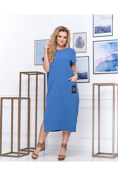 Блакитне плаття прямого покрою