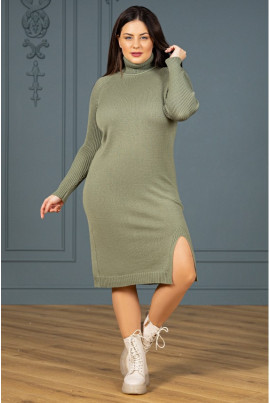 Оливкова універсальна в'язана сукня для жінок з королівськими формами
