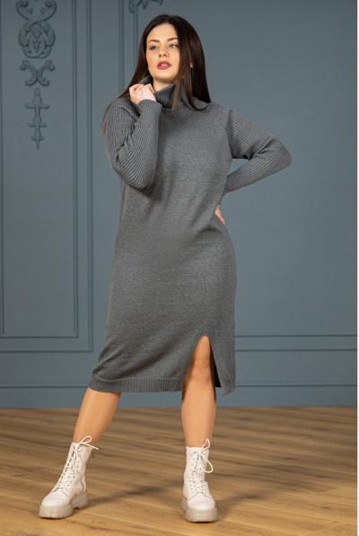 Темно-сіре лаконічне в'язане плаття міді великих розмірів