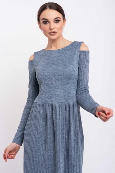 Блакитне привабливе трикотажне плаття