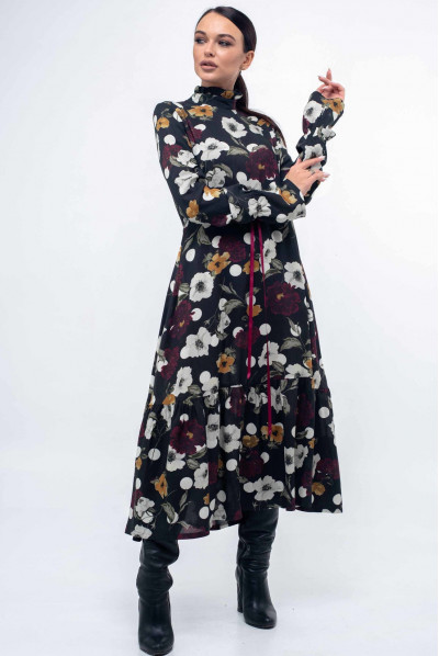 Чорне жіночне плаття з яскравим квітковим принтом