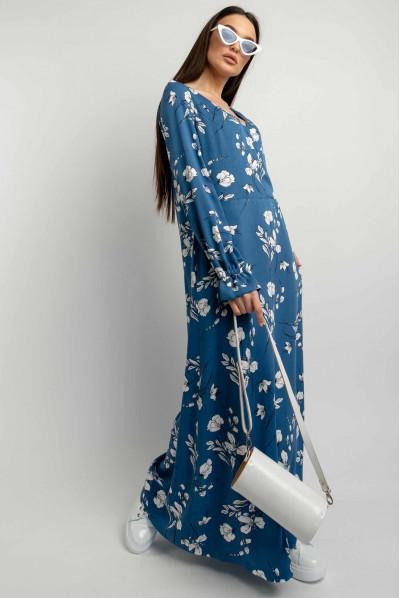 Синя приваблива довга сукня з принтом для повних жінок