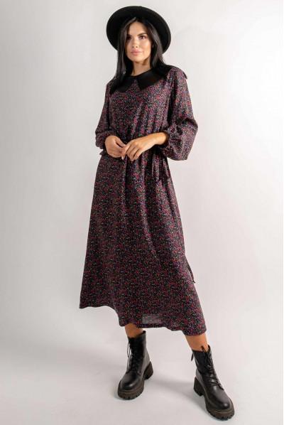 Чорна гармонічна сукня міді з квітковим принтом