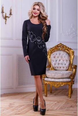 Чорне оригінальне плаття з вишивкою