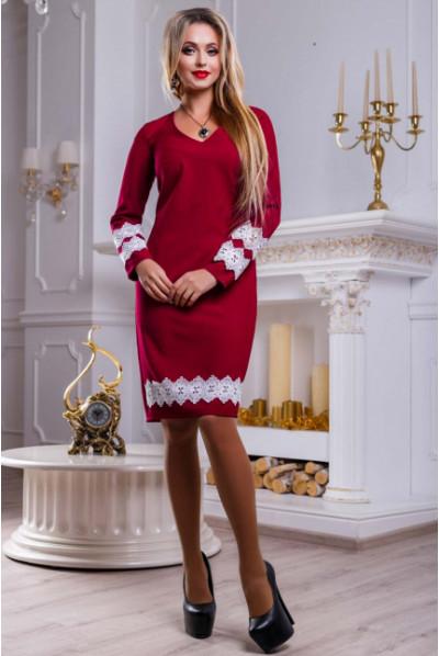 Вишукане плаття кольору марсала з мереживом