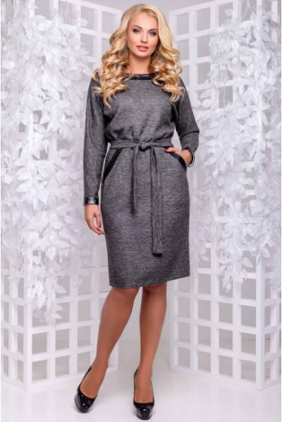 Темно-сіре тепле плаття з паском