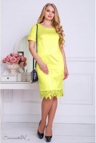 Атласне жовте плаття з мереживом по низу