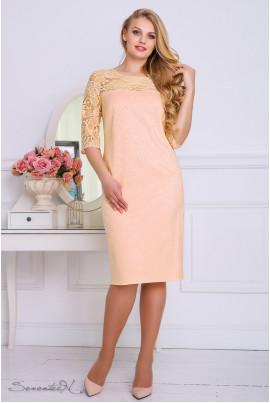 Персикове ніжне плаття з гіпюром