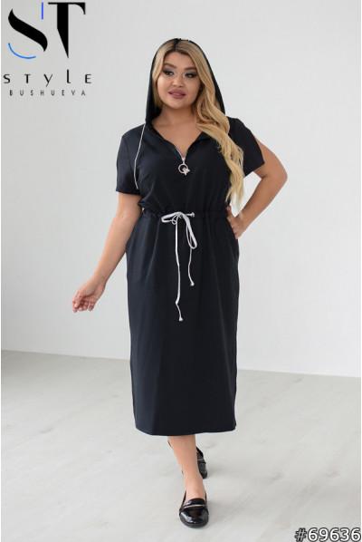 Чорна жіноча сукня в спортивному стилі