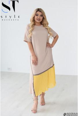 Бежева універсальна сукня для повних жінок
