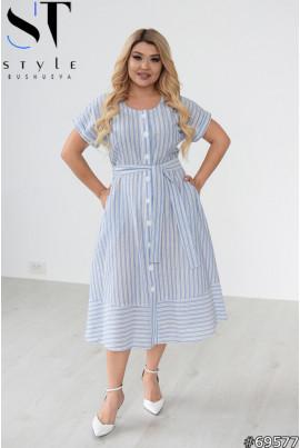 Блакитне практичне плаття міді з принтом в смужку