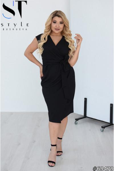 Чорна тендітна сукня міді для жінок з апетитними формами