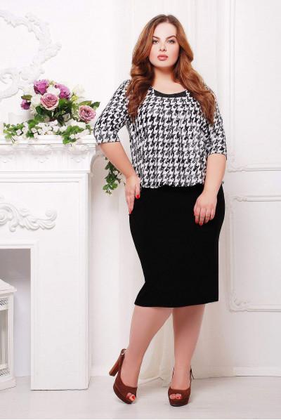 Привабливе актуальне плаття міді великих розмірів