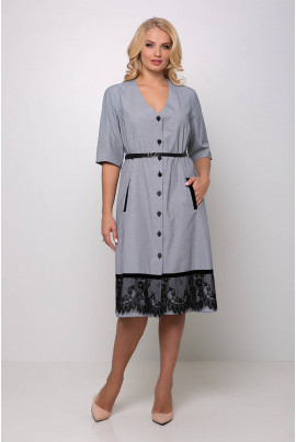 Сіре жіночне плаття в клітинку з поясом для повних жінок