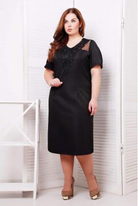 Маленька чорна сукня з мереживним елементом