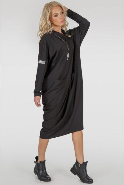 Чорне трикотажне плаття оверсайз